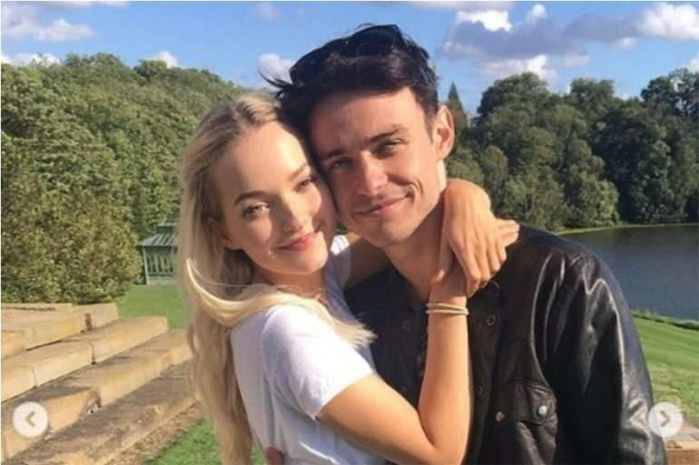 Dove Cameron y Thomas Doherty