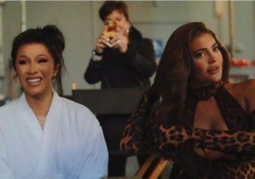 Kylie jenner y cardi b en video wap