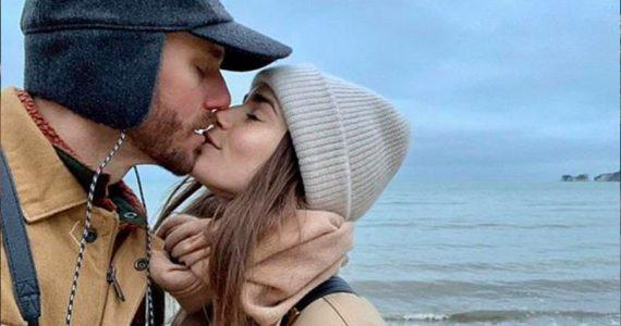lily collins y charlie mcdoweel estan comprometidos