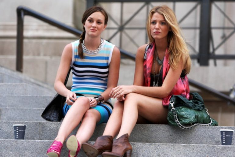 elenco gossip girl posa escaleras blair waldorf