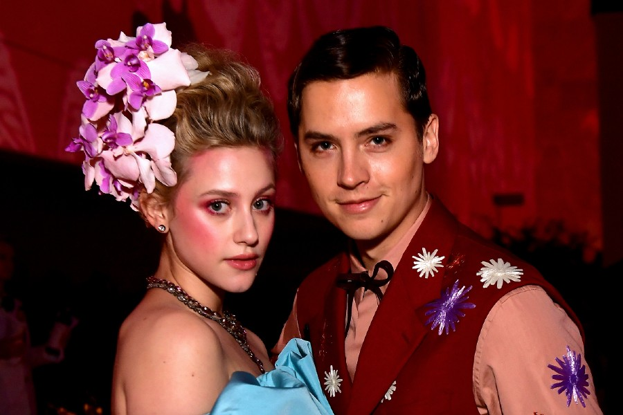 hijo lili reinhart cole sprouse