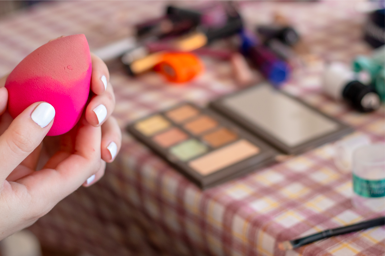 como usar beauty blender esponja maquillaje