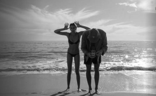 jacob elordi kaia gerber en la playa