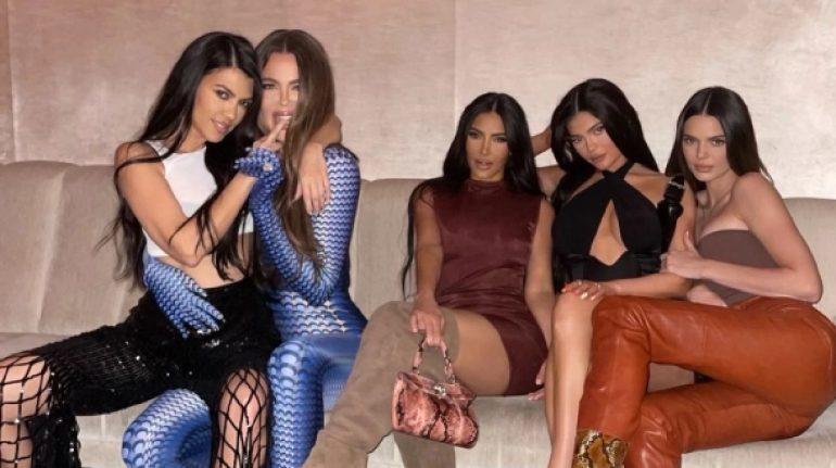 acusan kim kardashian meterse novio kourtney