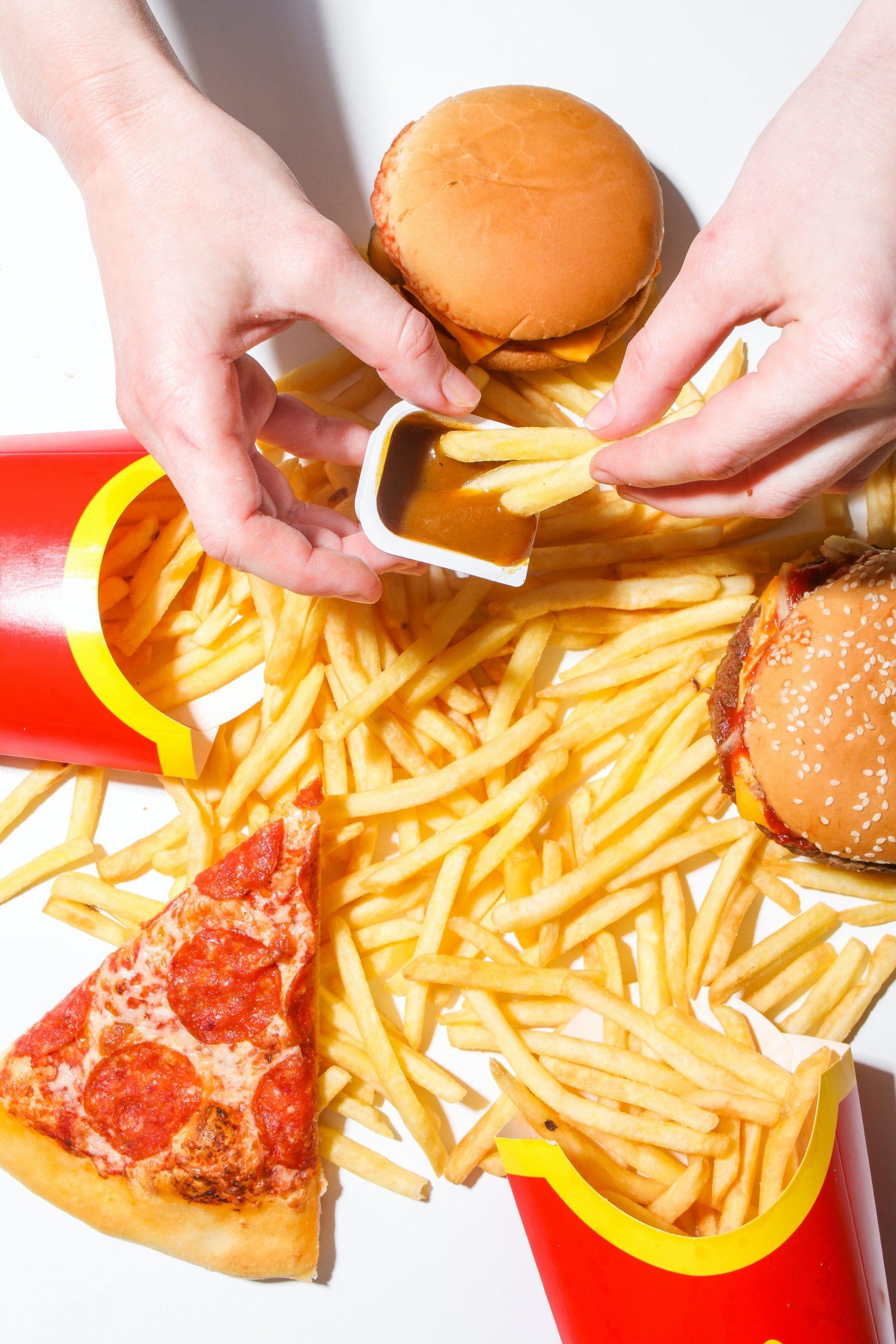 tiktoker transforma comida rápida en platillos gourmet